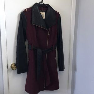 GUESS coat wool/ faux leather size S.